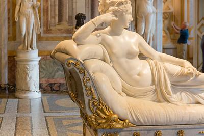 Pauline Bonaparte, Princess Borghese (holding apple) - Canova