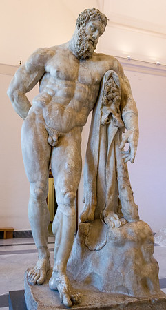 Hercules at rest, Anterior view