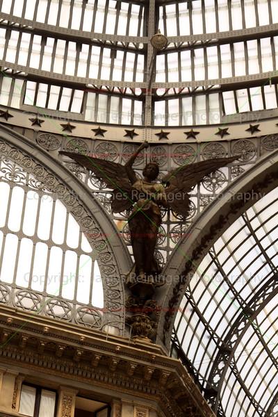 Galleria Umberto I<br /> Naples, Italy