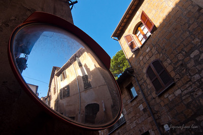 Old house in Orvieto (c)Runaway Juno