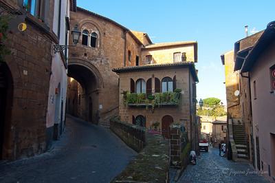 Orvieto streets (c)Runaway Juno