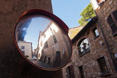 Old house in Orvieto (c)Runaway Juno