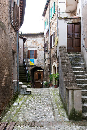 A walking tour of Otricoli.