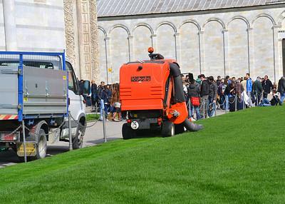 Cutting the Pisa grass