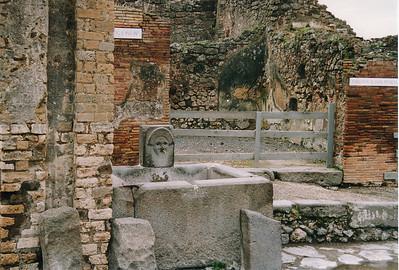 56563167.Pompeii_3
