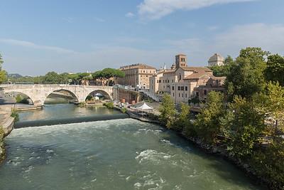 Tiber rapids - Ponte Cestio
