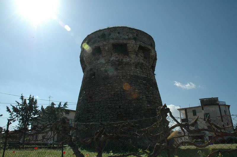 Paestum medieval tower