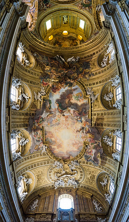 """Nave vault Fresco """"Triumph of the Name of Jesus"""" by Giovan Battista Gaulli, also known as Baciccio, or Baciccia. Wood and stucco figurative elements designed by Gaulli, and created by Antonio Raggi and Leonardo Reti. Pano"""