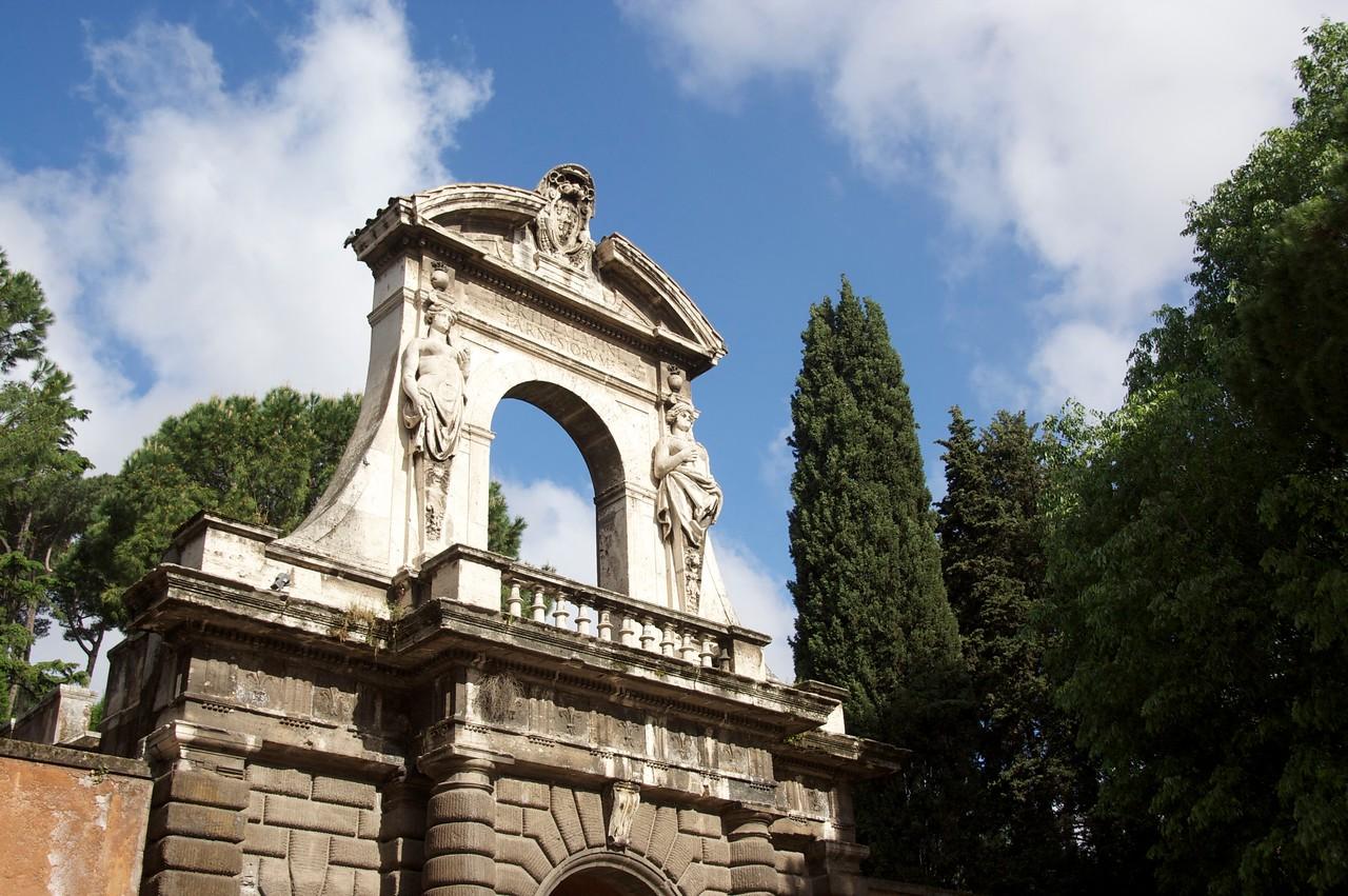 Palatine Hill gate
