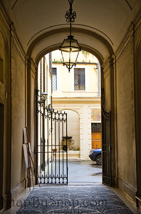 Italian passage with Gate