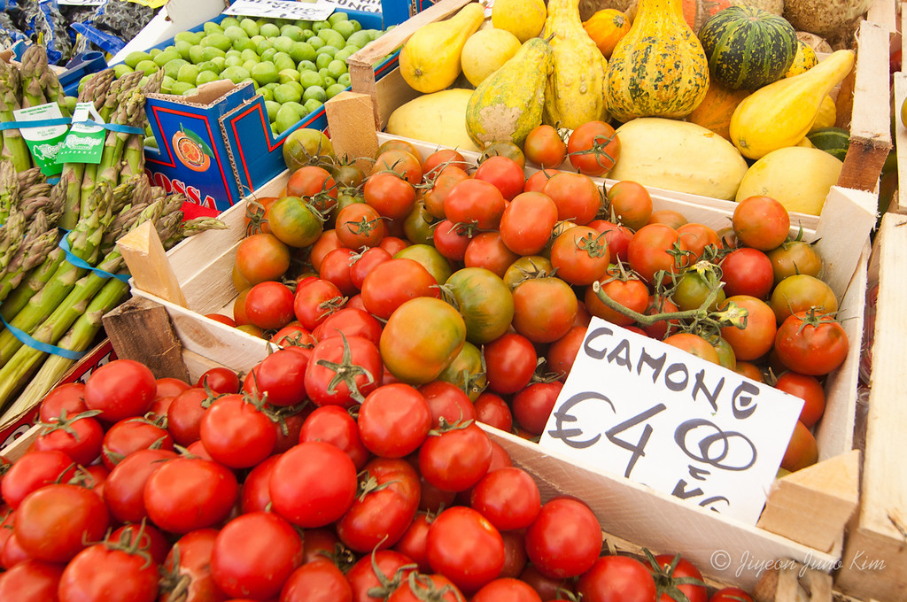Tomatos at Campo dei Fiori