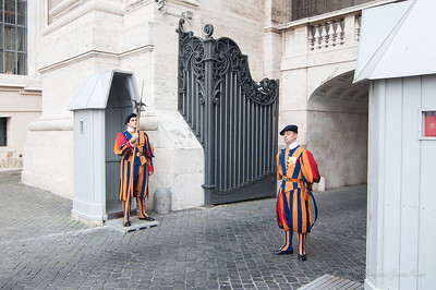 Vatican City Swiss guard (c)Runaway Juno