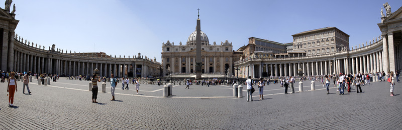 Panoramic of St Peter's Square Rome