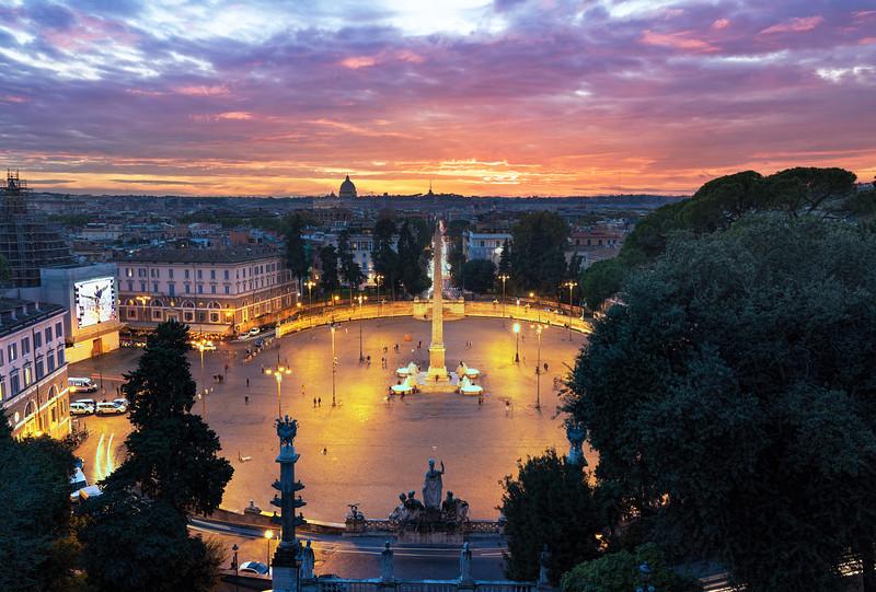 Piazza Del Popolo During Twilight