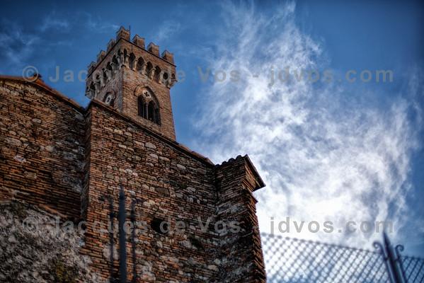 Il Campanone (La Torre Dell'orologio)