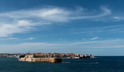 Leaving Syracuse, passing the island of Ortygia. The island is the historical center of Syracuse.