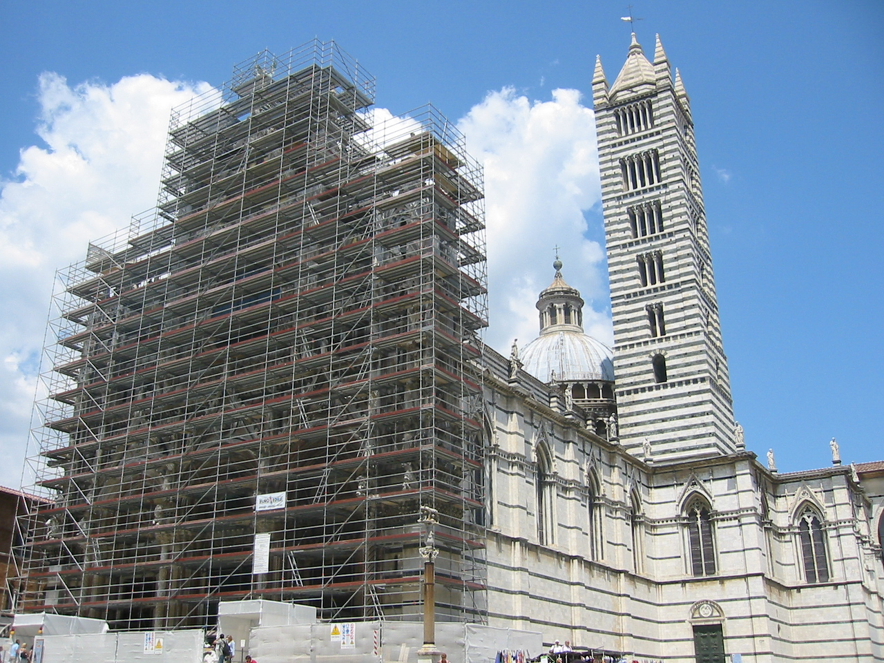 Duomo, complete with scaffolding