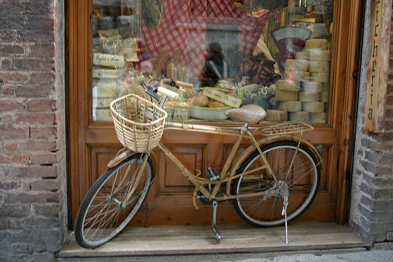 Banmoo Bicycle in Siena-<br /> Actually Used for Deliveries!