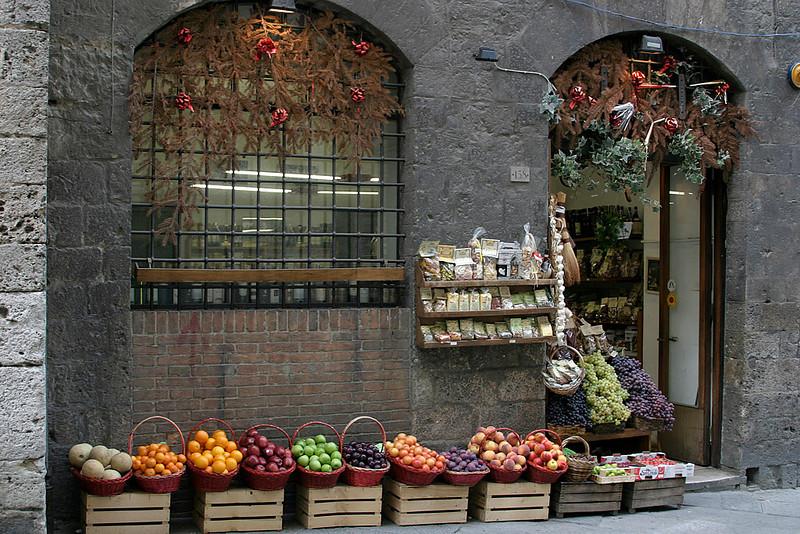 Siena Fruit Market