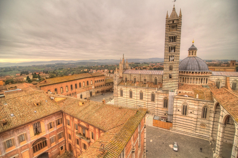 Panoramic looking over Duomo di Siena