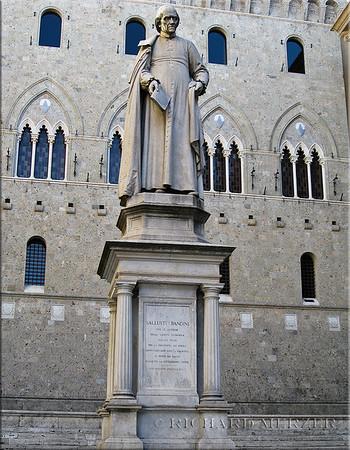 The monument to Sallustio Bandini
