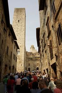 Crowds at San Gimignano