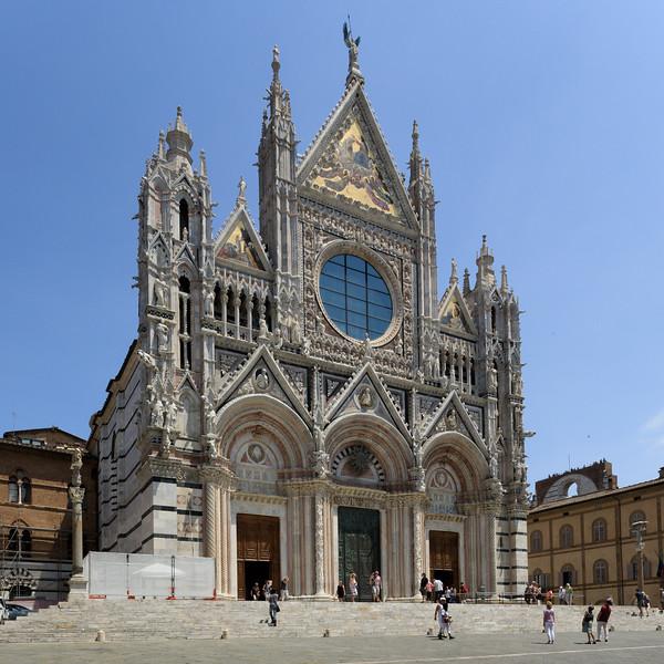 Front facade of the Siena Cathedral of Santa Maria Assunta
