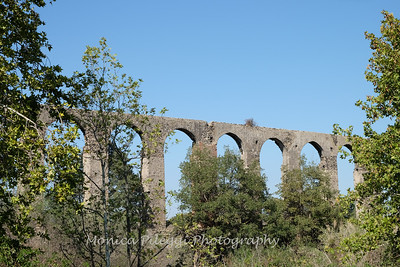 Roman aqueduct on the way to Pitigliano.