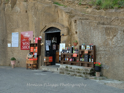 Wine shop near the lookout point for Pitigliano