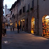 San Gimignano - a tourist haven ~ guidebooks say in midsummer these streets are full ~ this was a Saturday in late October