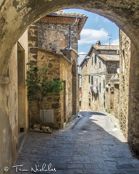 Montalcino: typical stone street