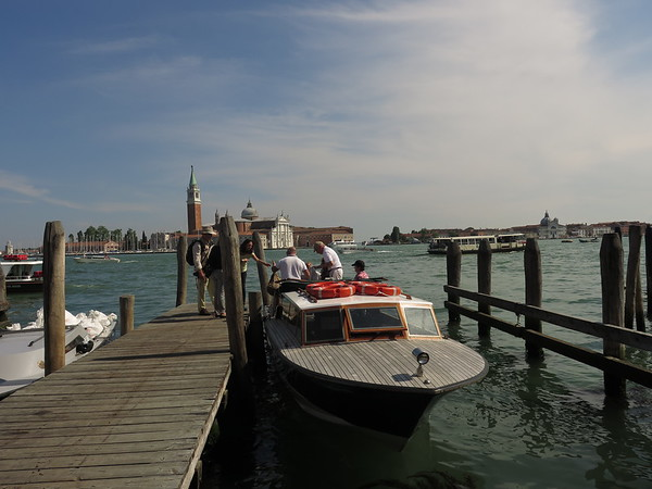 Changing to a smaller boat for the cruise down the Grand Canal