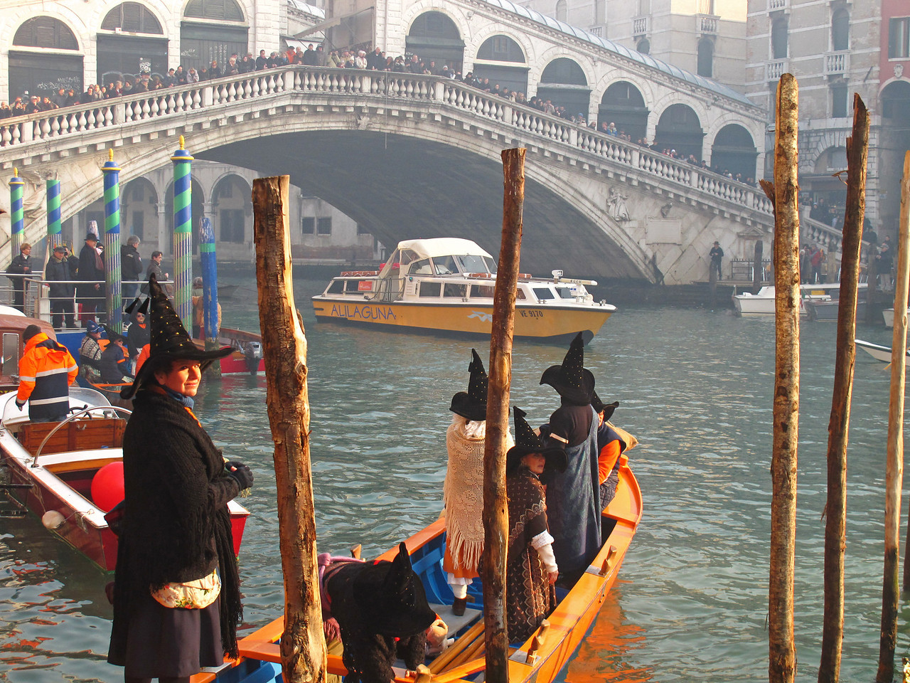 Watching the Regata delle Befane in Venice