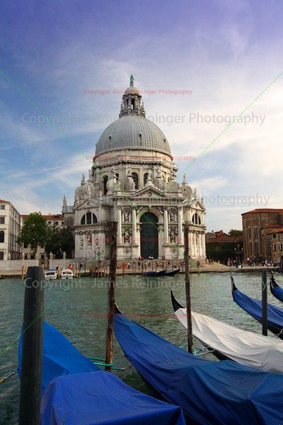 Gondolas & The Basilica di Santa Maria della Salute (Basilica of St Mary of Health)