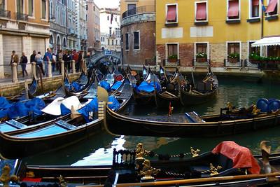 No shortage of gondolas!