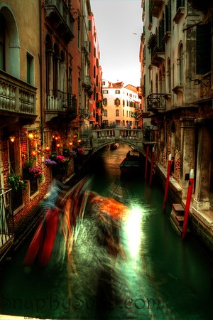 Motional Blur of activity on Venice Canal
