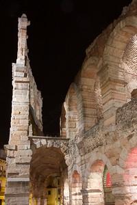 Gita a Verona - Arena in red