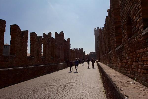 A weekend in Verona - Backlight on the bridge