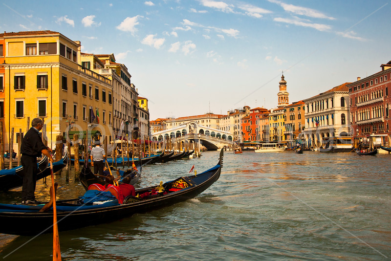Gondola heading for the Grand Canal