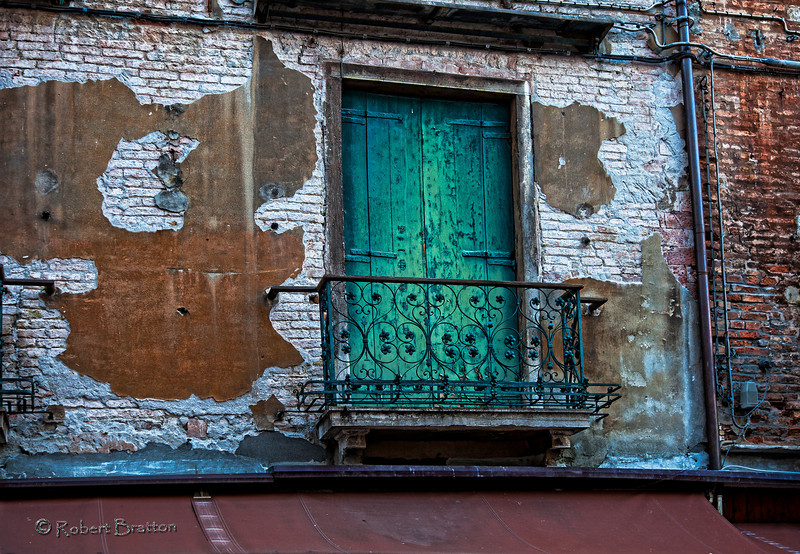 Turquois Shutters in Venice