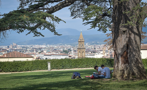 Florence: Boboli Gardens and Oltrarno