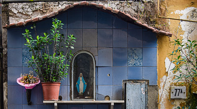 Naples: Chiaia, street shrine