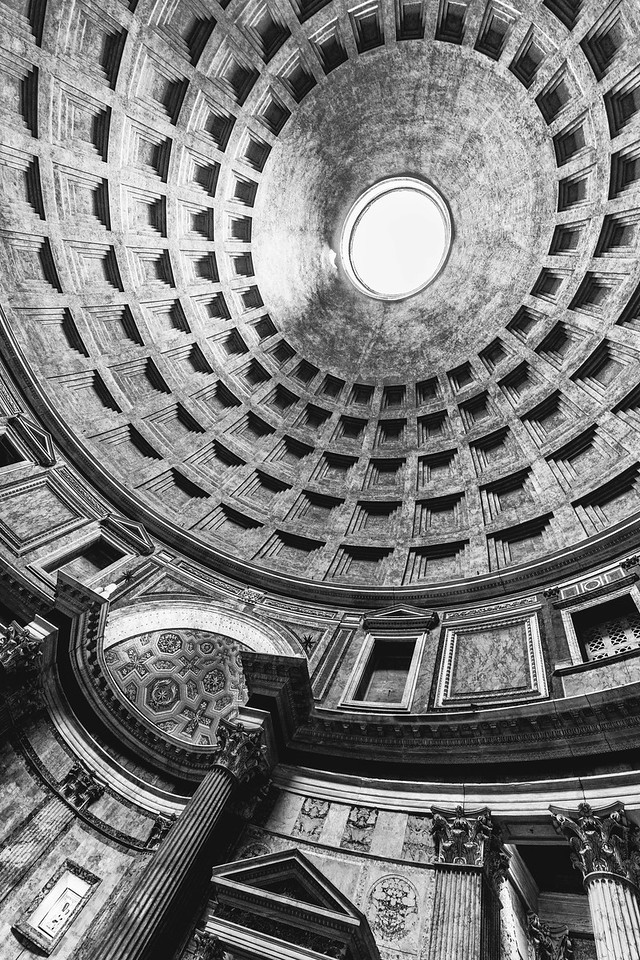 italy-rome-pantheon-3-7-HDR-Edit