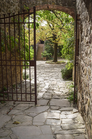 La Foce: Chiarentana Gate