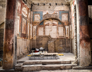Herculaneum, College Of The Augustini (under restoration)