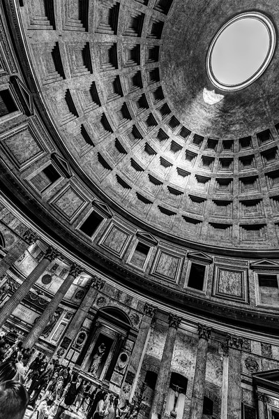 italy-rome-pantheon-2-4-HDR-Edit