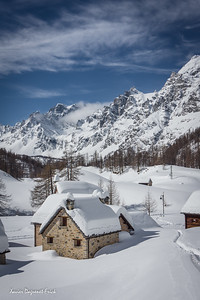 mountain village paralysed by the snow