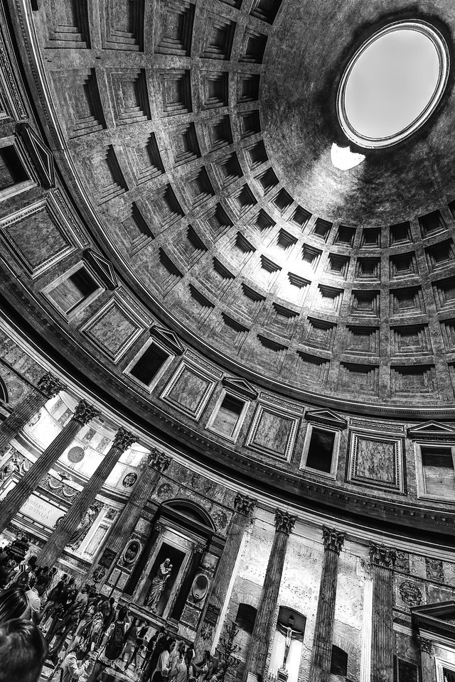 italy-rome-pantheon-2-4-HDR-Edit-3