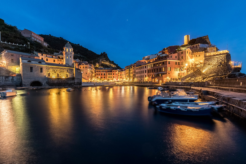italy-cinque-terre-vernazza-twilight-blue-light-1-1-HDR