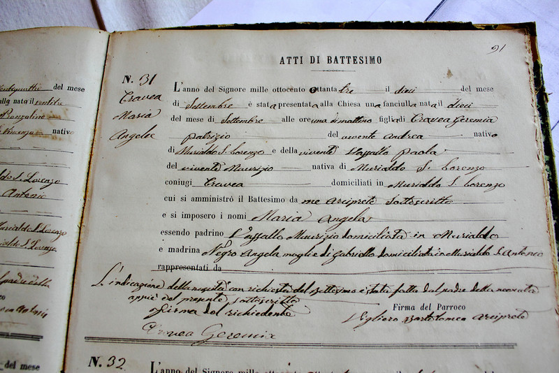 A friend of Valentina (who runs the B&B I stayed in) let us in San Lorenzo, disapeared for a little while, then came back with my great grandmother's baptism record.